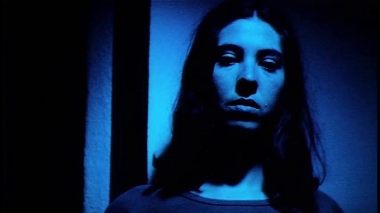 Tatiana (Marina de Van) in Ozon's SEE THE SEA (1997)